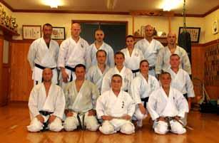 Csoportkép Sakai Sensei Dojo-jában