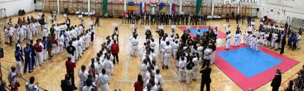 Advent Kupa NemzetkĂśzi Karate BajnoksĂĄg