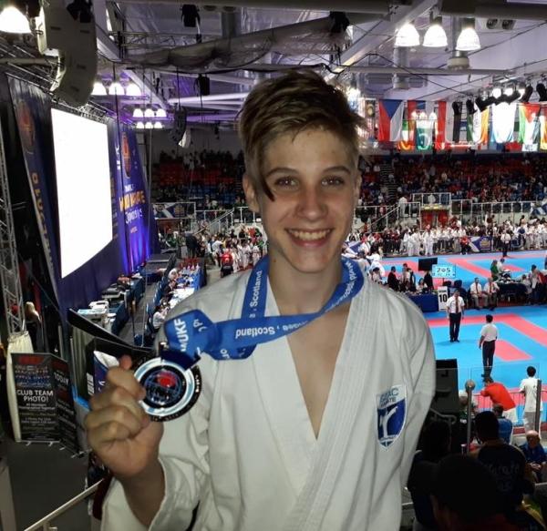 Topolyai Máté Kumite világbajnoki ezüstérmes